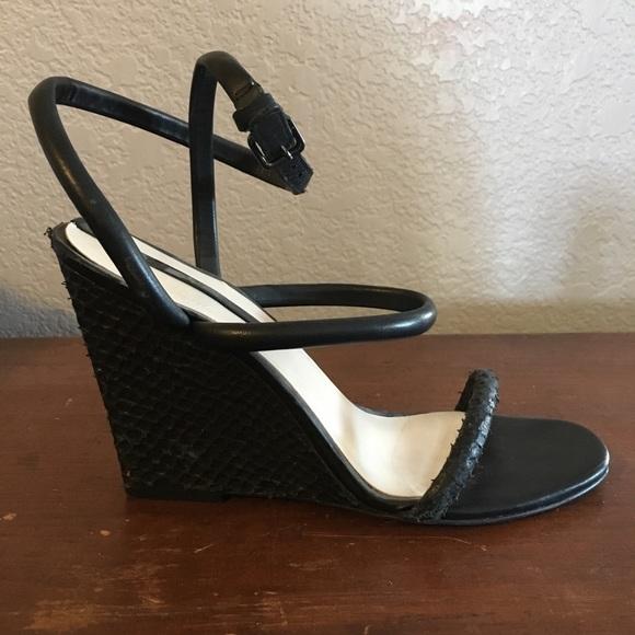 c8a45cc8b36 Zara Black Wedge Strappy Sandals
